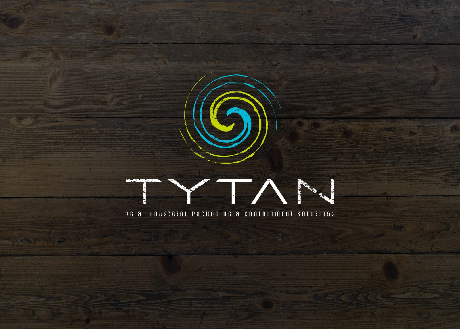 tytan_circle_grunge_on_wood